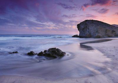 Playa de Cabo de Gata al atardecer - Boutique Hotel el Tío Kiko