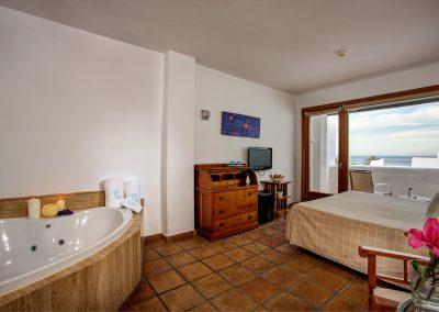 Habitación con bañera de hidromasaje incluida - Boutique Hotel el Tío Kiko